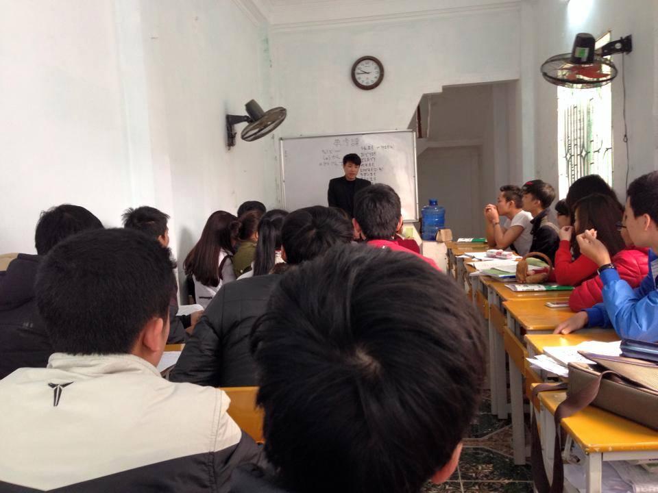 Học sinh cũ của Thanh Giang trao đổi kinh nghiệm với các học viên